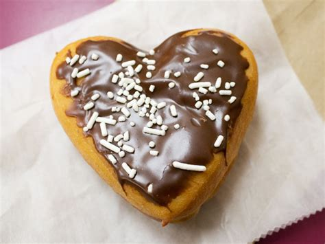 Valentine's Day Special: Dunkin's New Brownie Batter Donut