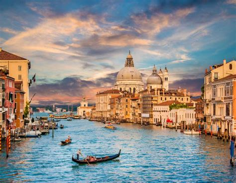 Uncovering the Wealth & Power of Venice and Rome Tour