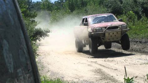 2003 nissan frontier off road - YouTube