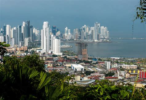Why Do Americans Move to Panama?