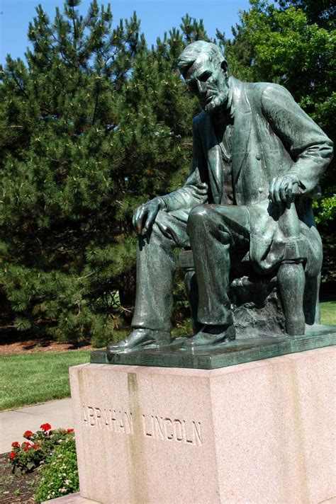Kansas State Capitol - Online tour - Lincoln statue